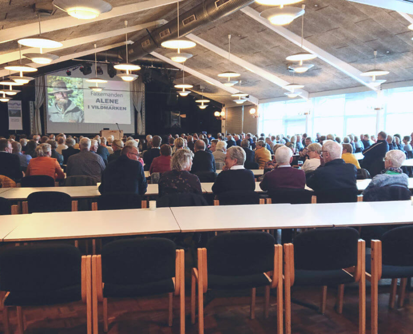 Stor opbakning til Falkemandens foredrag Alene i Vildmarken
